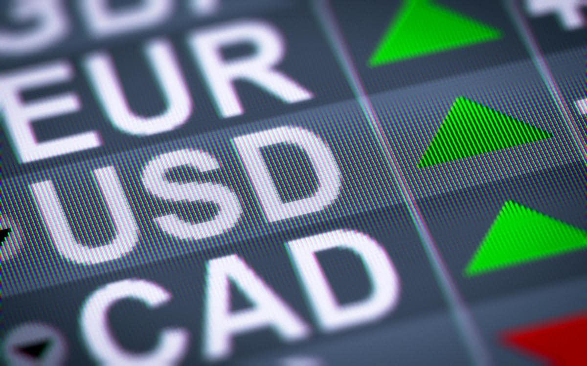 Por que taxa de câmbio sofre variação cambial na compra de moedas?