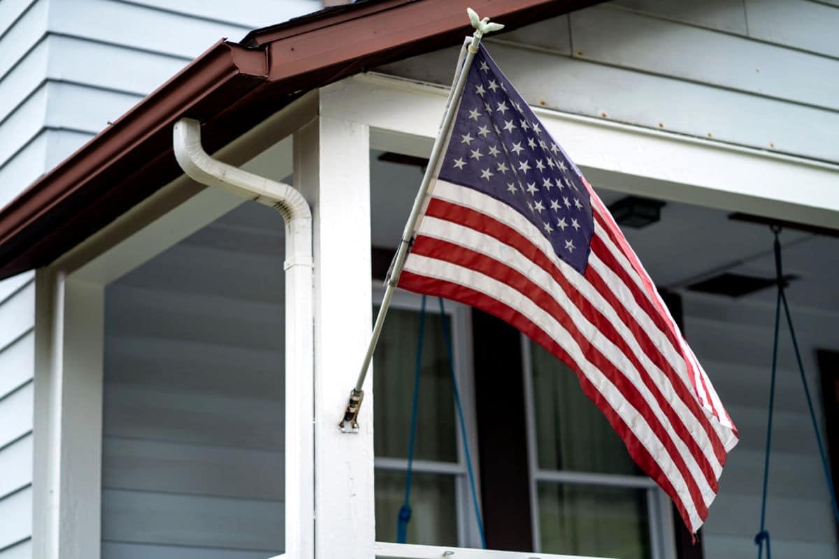 Procure por moradia nos Estados Unidos.
