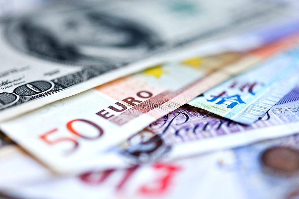 4 fatores que afetam as taxas e quanto vale o dólar americano