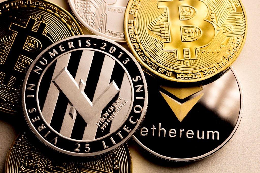 Bitcoin não é a nova moeda da Elite para se tornar a próxima reserva global